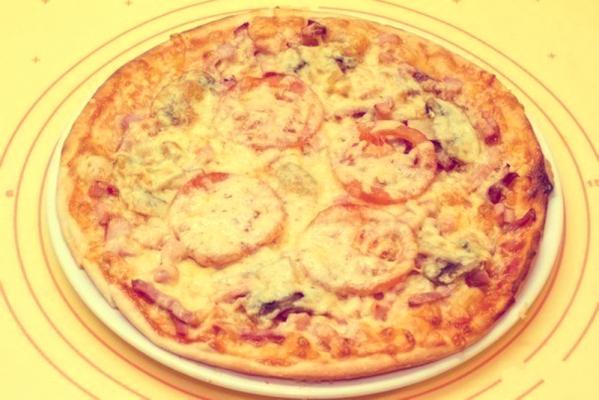 Пицца с шампиньонами и помидорами: рецепт с фото в духовке
