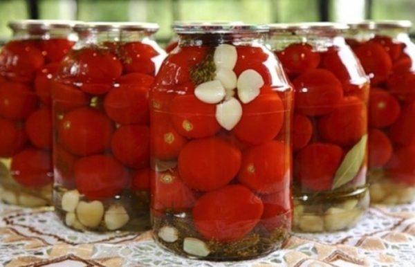 Сладкие маринованные помидоры на зиму в 3 литровых банках