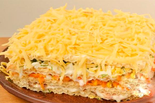 Селедочный торт: очень нежная закуска на Новый год 2020