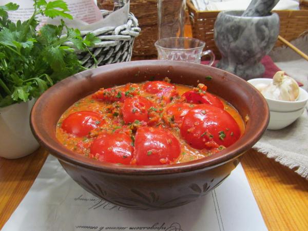 Дольки помидоров маринованные в соусе из болгарского перца   Кулинарные рецепты с фото пошагово