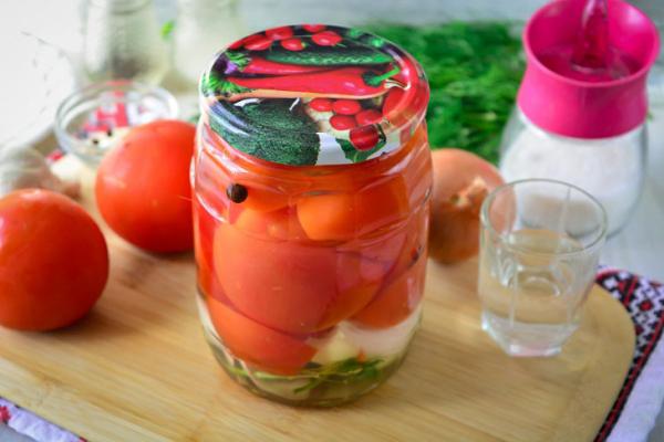 «Пьяные» помидоры на зиму: рецепт с фото пошагово