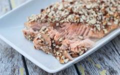Лосось в духовке с медом и миндалем | супер простой рецепт запеченного в духовке лосося